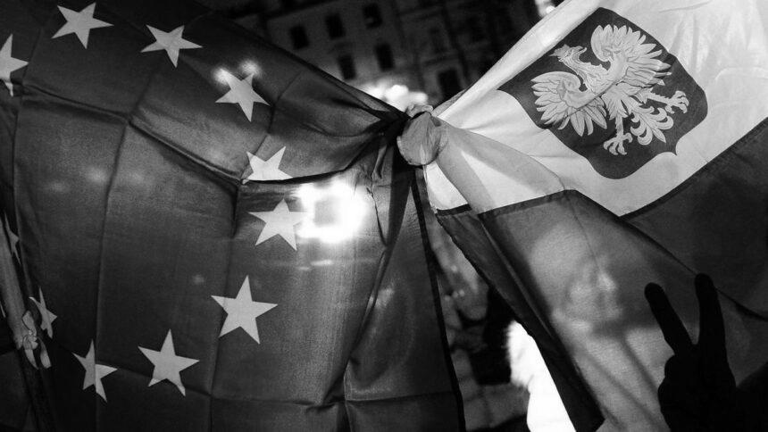 Польща конфліктує з ЄС. Чим це загрожує Україні