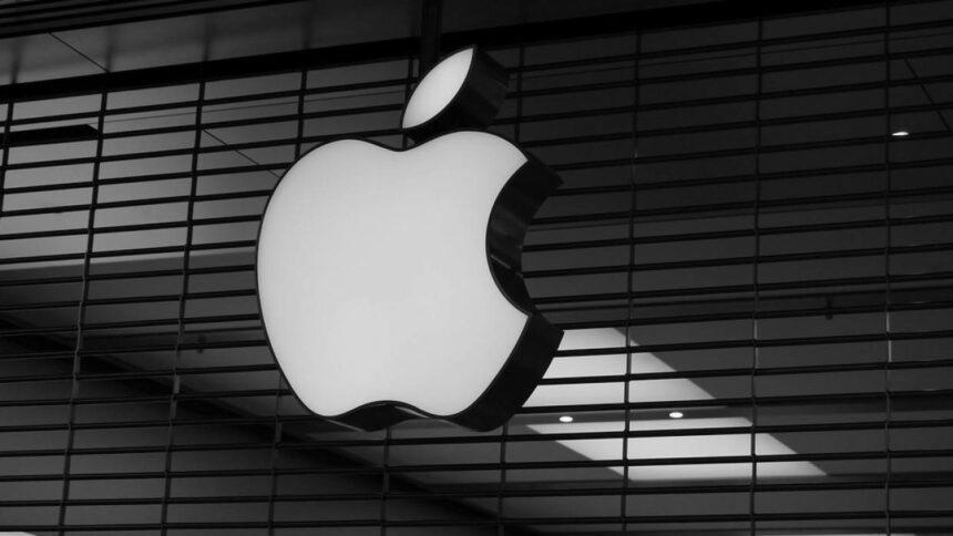 Apple скорочує виробництво iPhone