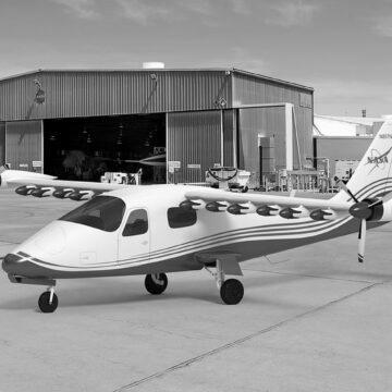 Електричний літак NASA готовий до випробувань