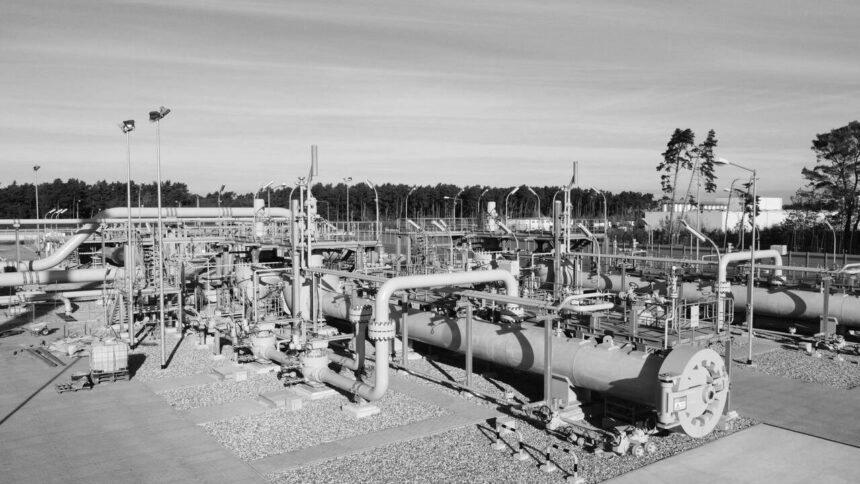 """""""Газпром"""" почав заповнювати першу нитку """"Північного потоку – 2"""""""