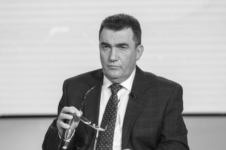 """""""Україна – не Росія. Добре, що нам про це постійно нагадують"""" – секретар РНБО щодо статті Медведєва"""