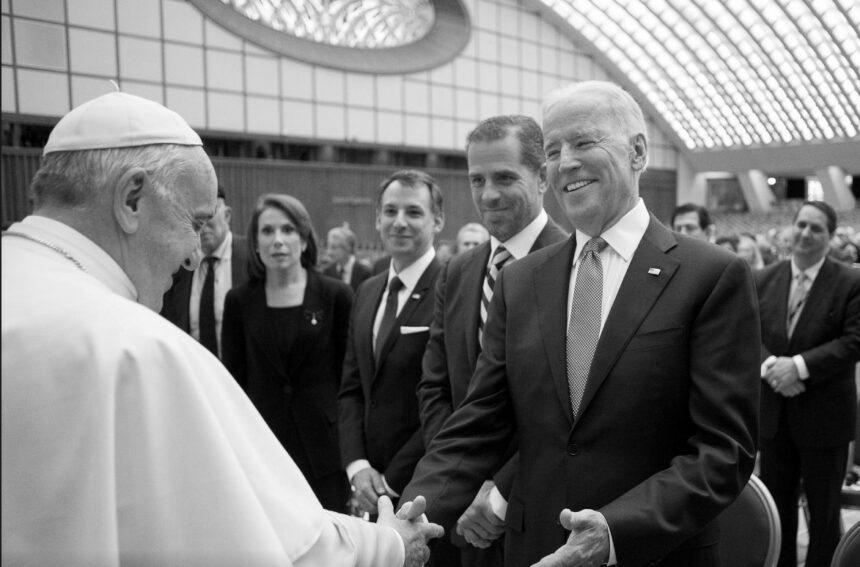 Байден зустрінеться з Папою Римським
