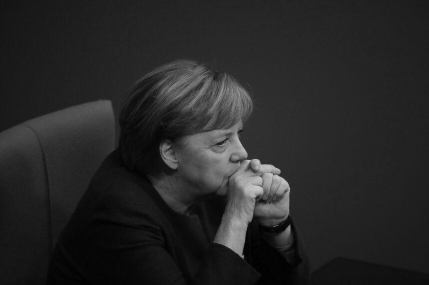 Після поразки на виборах партія Меркель повністю переобере керівництво